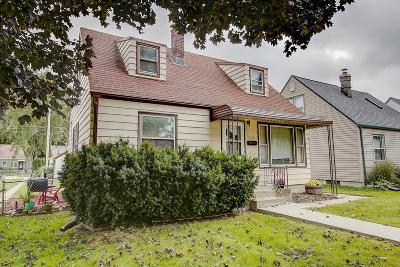 Milwaukee Single Family Home For Sale: 3344 N 89th St