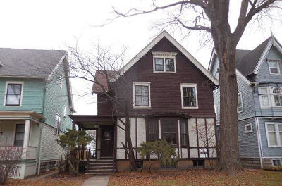Milwaukee Single Family Home For Sale: 2923 N Prospect Ave