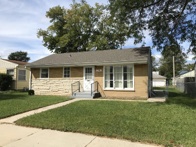 Milwaukee Single Family Home For Sale: 7116 W Grantosa Dr