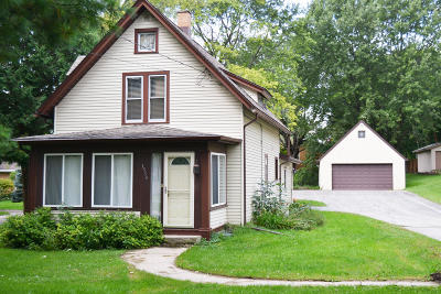 Single Family Home For Sale: 1514 Delafield St