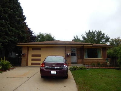 West Allis Single Family Home For Sale: 9701 W Cleveland Ave