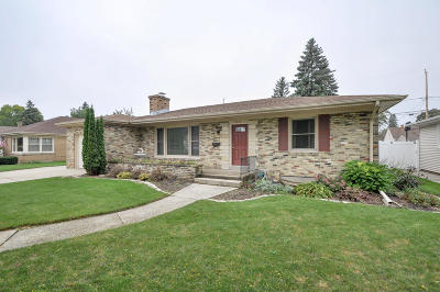 Single Family Home For Sale: 3030 Erie St