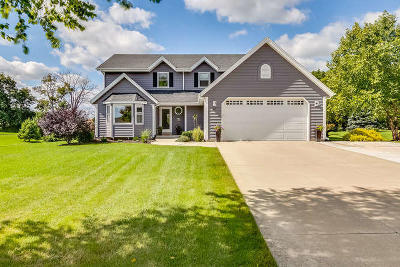 Union Grove WI Single Family Home For Sale: $374,900