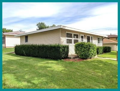 Milwaukee Single Family Home For Sale: 6026 W Stack Dr