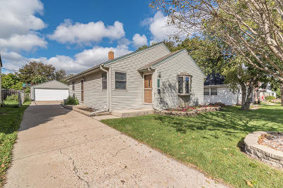 Saint Francis WI Single Family Home For Sale: $150,000