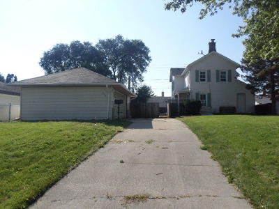 Cudahy WI Single Family Home For Sale: $103,000