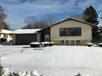 Racine Single Family Home For Sale: 3331 Monarch Dr