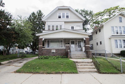 Milwaukee WI Multi Family Home For Sale: $174,900