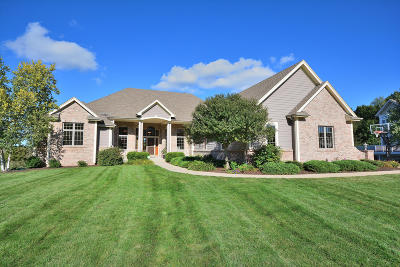Pewaukee Single Family Home Active Contingent With Offer: W291n4300 Prairie Wind Cir N