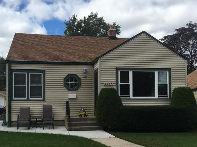 Milwaukee Single Family Home Active Contingent With Offer: 3663 S Whitnall Ave