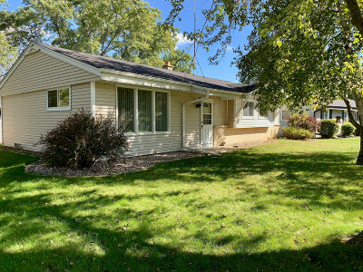 Sussex Single Family Home For Sale: N66w24482 Champeny Rd