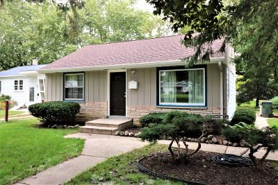 West Allis Single Family Home For Sale: 11902 W Rainbow Ave