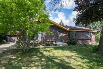 Milwaukee Single Family Home For Sale: 9530 W Goodrich Ct