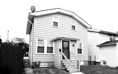 Milwaukee Single Family Home For Sale: 3609 W Greenfield Ave
