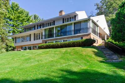 Hartland Single Family Home For Sale: 31679 W Muscovy Rd