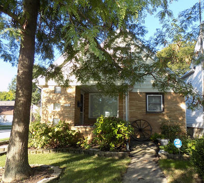 West Allis Single Family Home Active Contingent With Offer: 2197 S 78th St