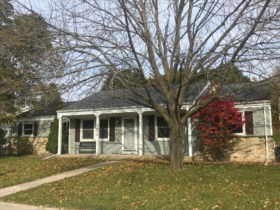West Bend Single Family Home For Sale: 3412 Stanford Ln