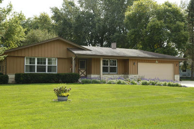 Muskego Single Family Home For Sale: S76w14253 Independence