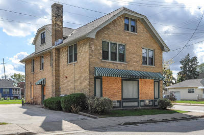 Waukesha Multi Family Home For Sale: 415 N Barstow St