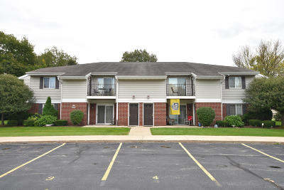 Germantown Condo/Townhouse Active Contingent With Offer: N110w16867 Ashbury Cir #7