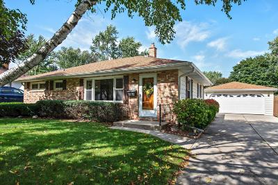 Menomonee Falls Single Family Home Active Contingent With Offer: N92w16948 Roger Ave