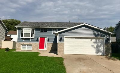 Pleasant Prairie Single Family Home Active Contingent With Offer: 912 92nd St