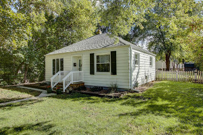 West Allis Single Family Home Active Contingent With Offer: 11815 W Rainbow Ave