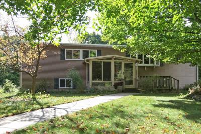 West Bend Single Family Home For Sale: 6746 Reuter Ln