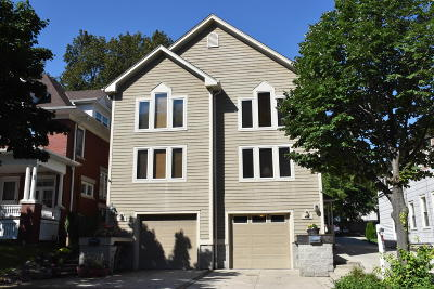 Milwaukee Condo/Townhouse For Sale: 1665 N Franklin Pl