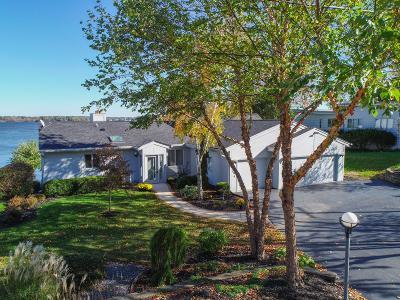 Waukesha County Single Family Home For Sale: W393n5864 Mary Ln
