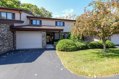 Mequon Condo/Townhouse Active Contingent With Offer: 12840 N Colony Dr