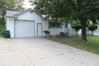 Fort Atkinson WI Single Family Home Active Contingent With Offer: $184,900