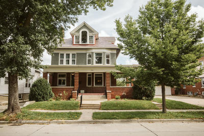 Milwaukee Single Family Home Active Contingent With Offer: 2066 S Layton Blvd