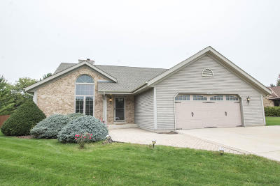 Muskego Single Family Home Active Contingent With Offer: S73w14102 Settler Way