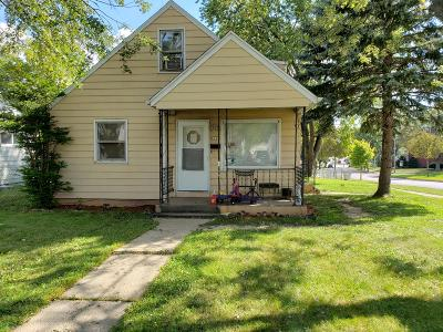 Milwaukee Single Family Home For Sale: 8169 W Kathryn Ave