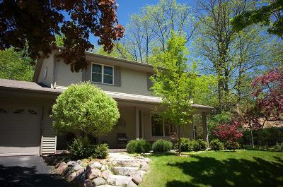 Cedarburg Single Family Home Active Contingent With Offer: W58n967 Oxford Ct