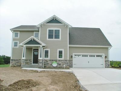 Sussex Single Family Home For Sale: N54w23851 Fieldstone Pass