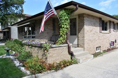 Milwaukee Single Family Home For Sale: 4836 S 21st St