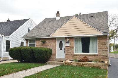 Milwaukee County Single Family Home For Sale: 144 S 71st St