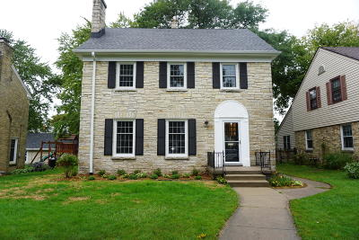 Milwaukee Single Family Home Active Contingent With Offer: 2847 N 73rd St