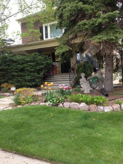 Milwaukee Two Family Home For Sale: 2318 E Fernwood #AVE