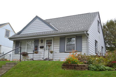 Milwaukee Single Family Home For Sale: 3341 S Griffin Ave