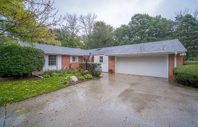 Racine County Single Family Home Active Contingent With Offer: 5321 Valley Trl