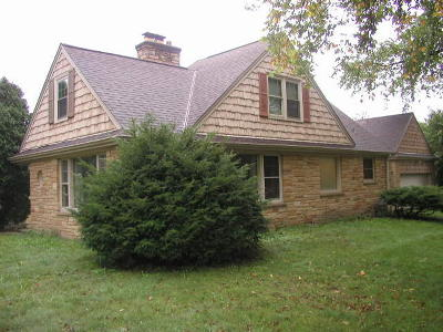 Single Family Home For Sale: 10504 W Woodward Ave