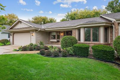 Mequon Condo/Townhouse For Sale: 7418 W Willowbrook Ct
