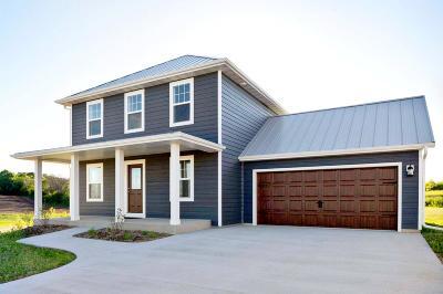 Ozaukee County Single Family Home For Sale: 1864 Farm View Dr