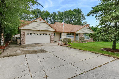 Kenosha Single Family Home Active Contingent With Offer: 5412 82nd St