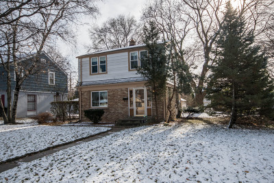 West Allis Single Family Home For Sale: 10525 W Manor Park Dr