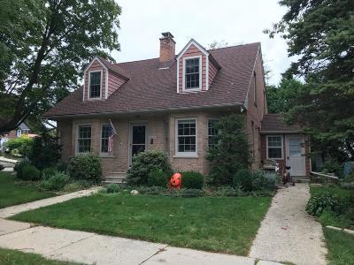 Kenosha Single Family Home For Sale: 620 73rd Street