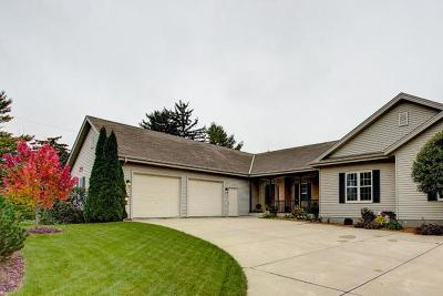 Menomonee Falls Single Family Home For Sale: W156n5188 Pilgrim Rd